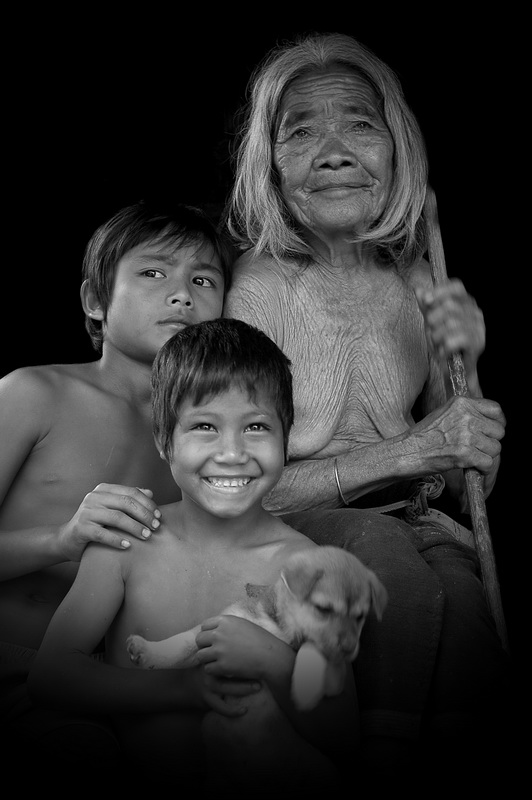 Grand Ma and Grand sons-Photo taken 5th-October-2009 By Mai Loc