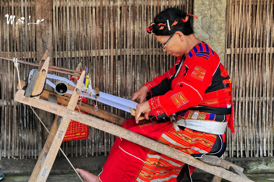 Pa Then traditional weaving